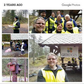 I dag er det to år siden vi hadde en kjempedag på Fløyen, hvor vi hadde stand og fortalte om Geocaching til alle som ville høre på 😀 #geobergen #geocaching